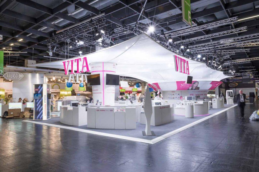 """German Design Award für """"Excellent Communications Design"""" – VITA Zahnfabrik Messedesign"""